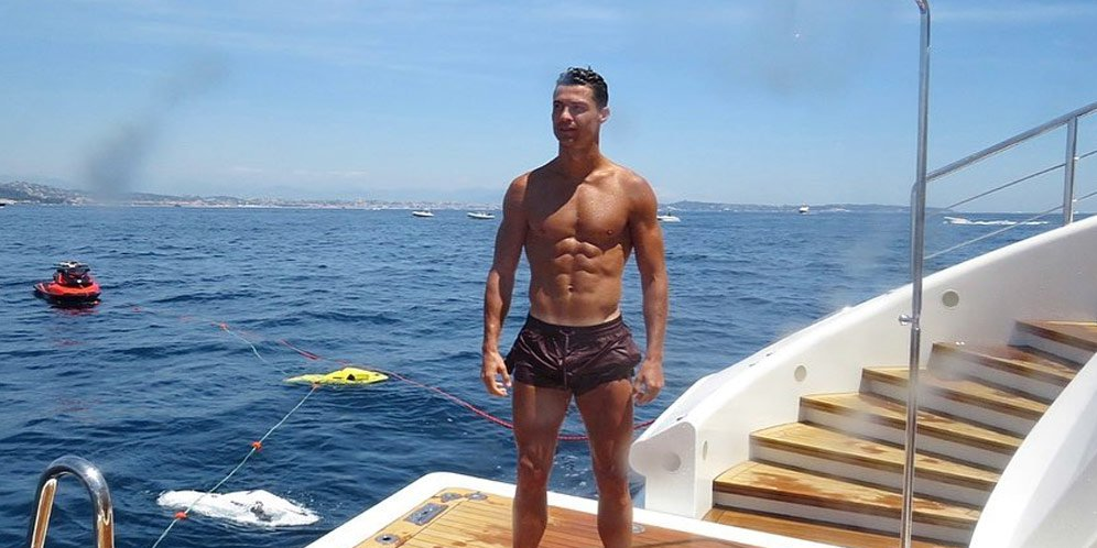 cristiano ronaldo 7a54361 - Cara Diet dan Menu Sehat ala Cristiano Ronaldo, Sixpack tak Lagi Mimpi