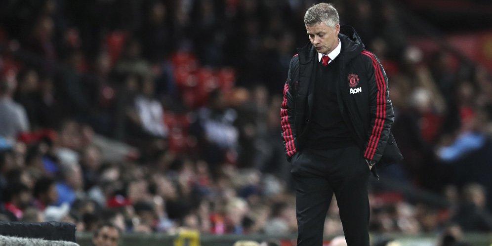 solskjaer l f49a3b5 - MU vs Liverpool: Dipimpin Wasit Sama, Mungkinkah Solskjaer Dipecat Seperti Mourinho?
