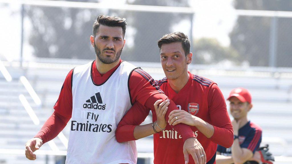 bolahok1 1024x576 - Sead Kolasinac Berharap Mesut Ozil Dapat Kesempatan di Arsenal