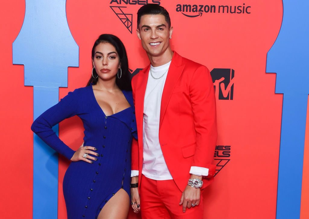 mtv emas 2019 cristiano ronaldo and girlfriend georgina rodriguez make red carpet bold choices 1024x727 - Cristiano Ronaldo Buka Suara soal Rumor Pernikahan Rahasia di Maroko